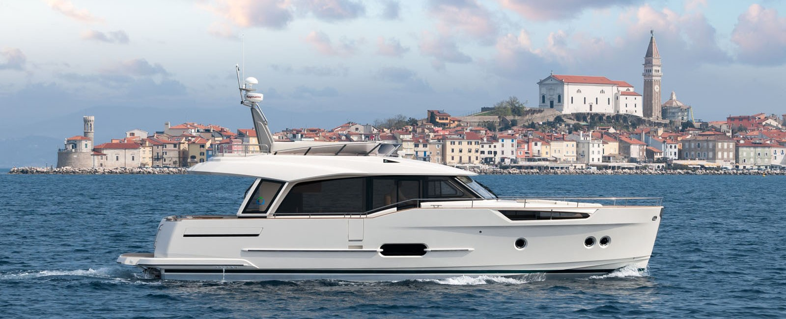 Greenline 48 - Yacht Sales International